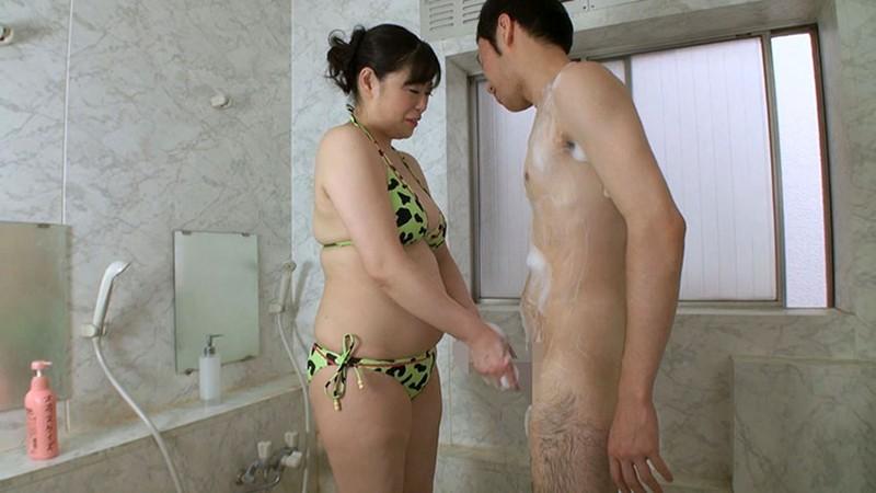 五十路熟女にチ●ポ洗ってもらっちゃいました!4