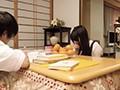 [BKJS-006] 「私なんかおばさんだし…」と油断してこたつの中でパンツ丸出しで座っていたら、ソレを見た若いチ●ポがギンギンに勃起!周りにバレないように中出し