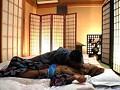 温泉旅館に宿泊しているカップルを狙って彼氏の前で彼女をレイプできるのか!? 14