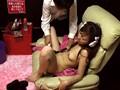 女性専用サウナに「AV見放題」のビデオ試写室を作って女性客がオナニーしている最中に乱入したらどうなっちゃうの? Part.3 サンプル画像2