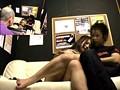 漫画喫茶の個室ペアシートを覗き見したらカップルが本番行為していたので彼氏から彼女を奪って好き放題中出しレ○プ!! 1