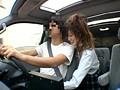 突然背後から女子校生が運転中に手コキ 4