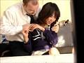 240分メガチ●コ猥褻 外国人の無理難題に必死に答える日本人若妻盗撮 17