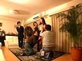 東京町○潜入・多角盗撮 寝とられオークション 旦那が見ている前で競り落とされる妻たち 総集編230分のサムネイル
