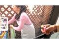 ベランダで洗濯物干し中の人妻にイタズラ 2 1