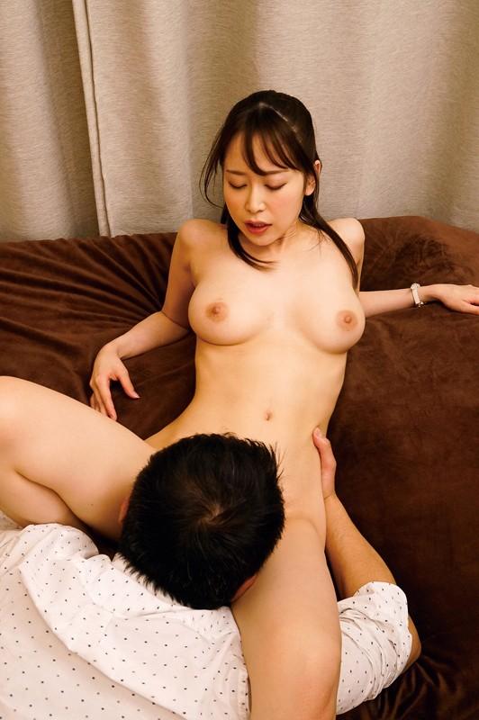 父と娘の近親セックス 酒癖が悪く、親離れも出来ない私はいつもお父さんに迷惑を掛けています。そんなだからあの日も…。 篠田ゆう の画像16
