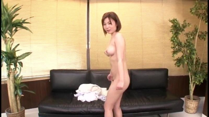 小日美奈子出演AVが人気急上昇
