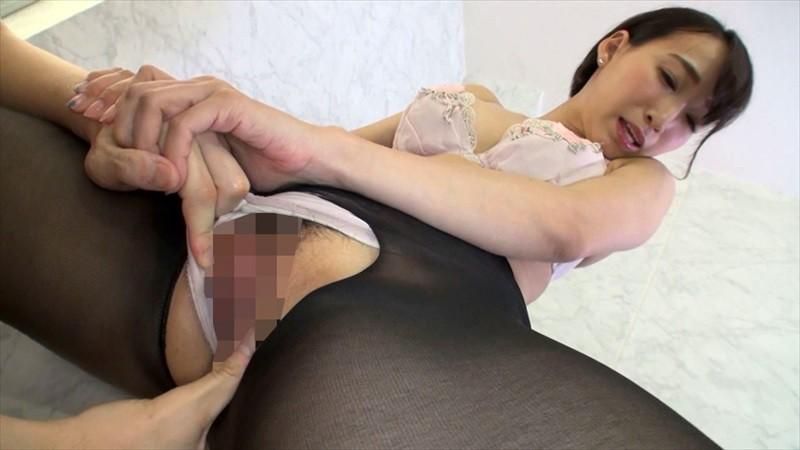 「チ○ポ洗い」という男性器を手洗いするバイトOL美女たちがエロい 画像20枚
