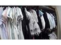 [SUPA-031] 某●●AV会社の衣裳部屋担当として働く巨乳アルバイトがAV出演
