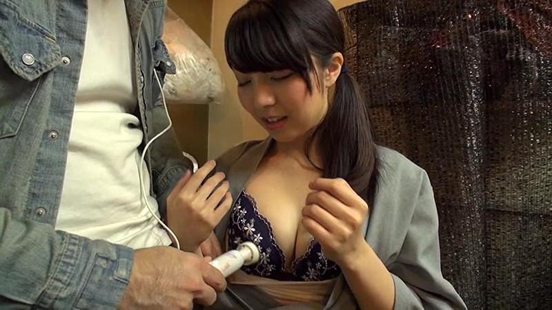交渉に交渉を重ねて遂にAVデビュー!!焼き鳥屋の看板娘みかこさん21歳。無邪気な笑顔でお客さんにも大人気の彼女をひたすらAVへ出演交渉。もう諦めかけていたその時、まさかの展開が…。普通の焼き鳥屋で働く普通の女の子がAVに出演するまでのリアルドキュメント!!Fカップの巨乳にエロ過ぎる乳輪は正に必見!!