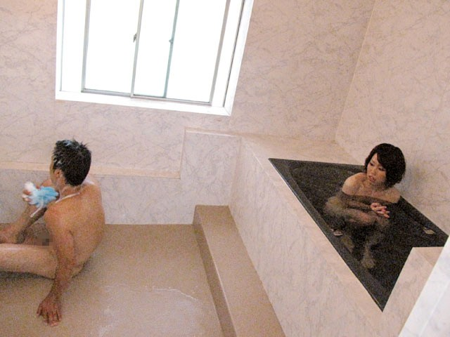[DMAT-109] 無言視姦 貸切風呂で若奥様と2人っきり