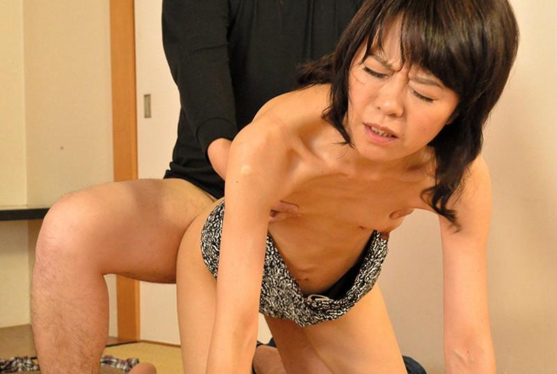 五十路の女房を騙して、夫では味わえない性の快楽を… の画像13