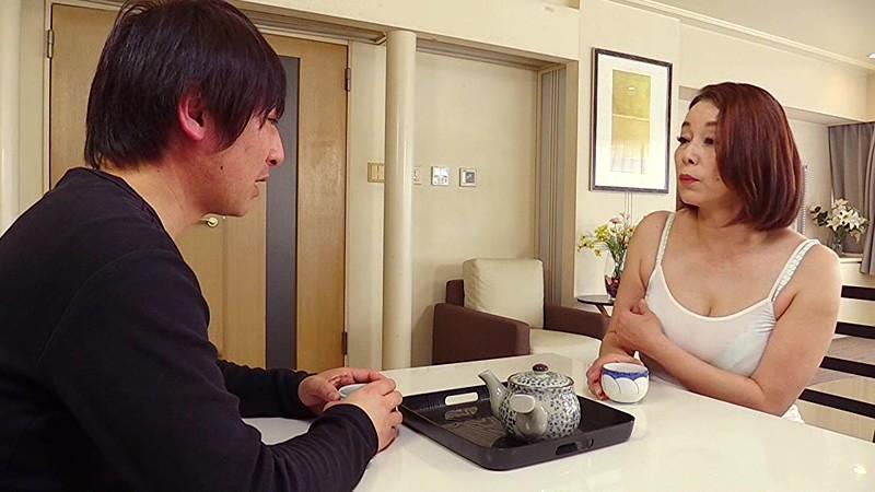 草津から上京して来た嫁の母が… 五十路義母 青井まりのサンプル画像1