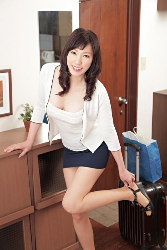 和歌山から上京した嫁の母が…五十路義母 福田由貴55歳 の画像17