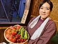 田舎で野菜売ってるおばちゃんにチ○ポ露出したら、その気になりすぎて… 4