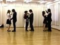 人妻が集まる社交ダンス教室にイケメン入門密着痴漢 1