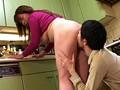 夫の寝ている横で息子にイカされる母 其の二 4