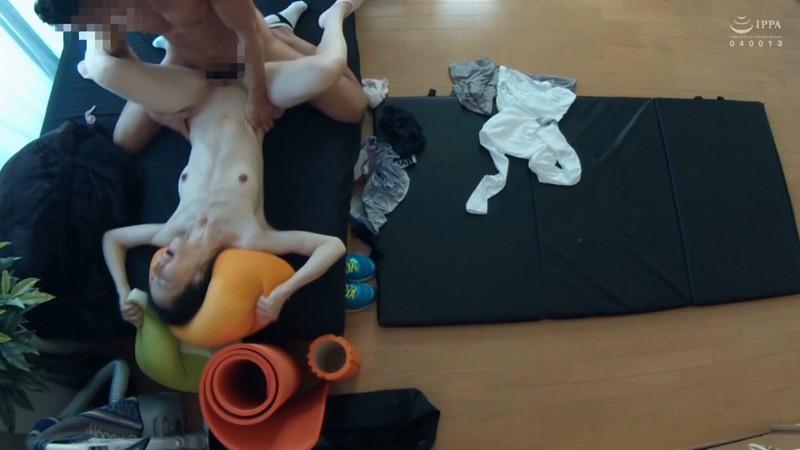 ネット配信に流出!!ヨガ教室インストラクタープライベート映像 中年おばさんの赤裸々なSEX 3 の画像12