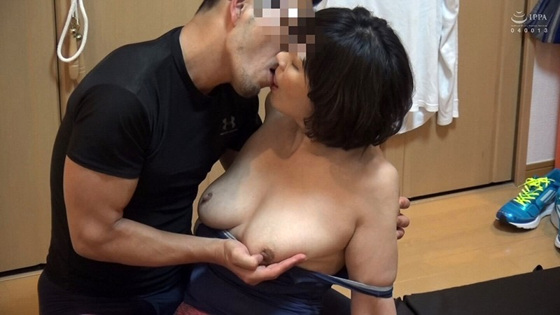 ネット配信に流出!!ヨガ教室インストラクタープライベート映像 中年おばさんの赤裸々なSEX 4 の画像8