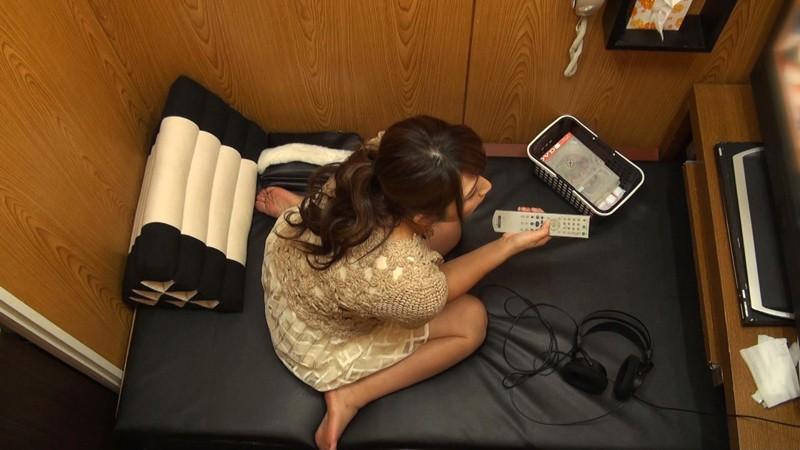 個室ビデオDVD試写室オナニー盗撮 の画像12