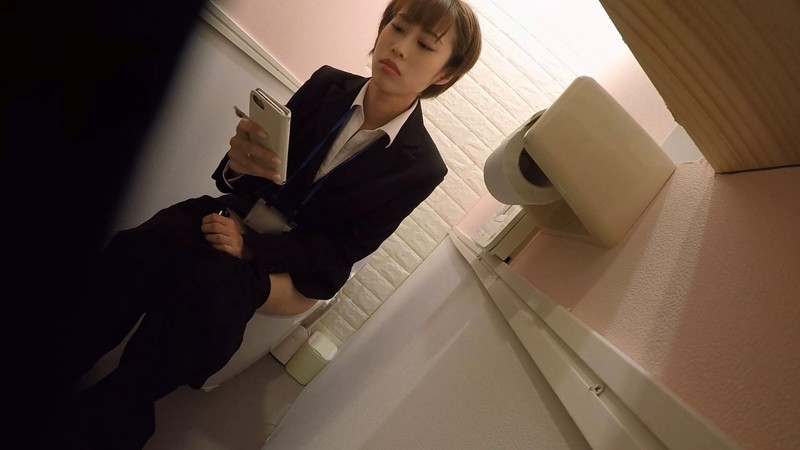 オフィスビル 女子トイレ放尿OL盗撮オナニー