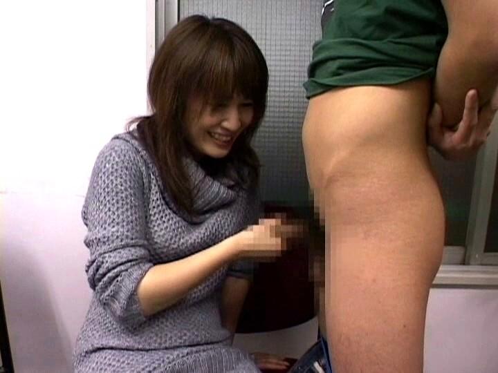 ウブな素人娘の手コキ体験 ベストコレクション4時間! の画像4