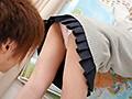男子諸君!パンチラ女子には気をつけろ!「勝手に席使ってゴメンね!でも~どいてあげない!そのかわり…◆」スカートの裾から見えるパンチラ誘惑に耐え切れず、ぷりもにゅお尻に挟まれるペン、指、顔!そして至福の尻コキ!! 画像2