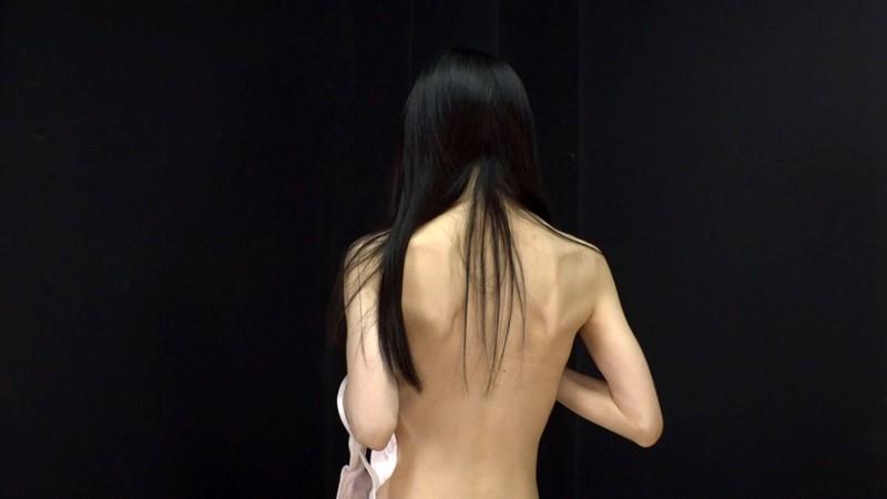 奇跡の陥没乳首の神貧乳少女、決意のAVデビュー!!山岸朱里 画像13枚