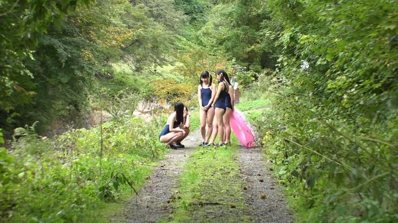 【DMM動画】-『ド田舎の川辺で無垢な女の子に悪戯してそのまま近くの温泉で乱交しちゃいました。4』 画像15枚