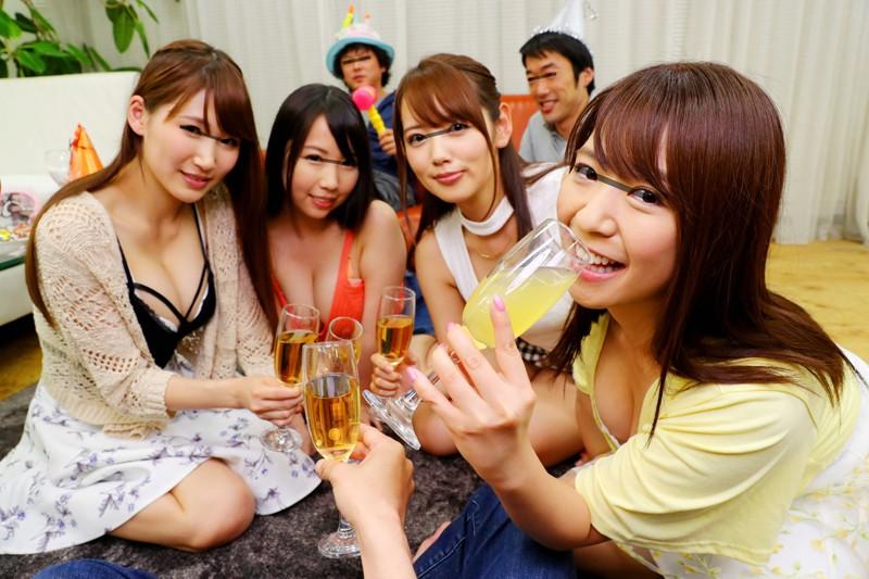 【エロVR】巨乳美女たちと大乱交パーティー!寄ったギャルに無許可でモロ中出し