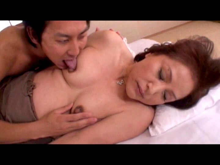 YLW-4119磁力_デカ乳-首で敏感な成熟的女人 4時間_白羽那緒