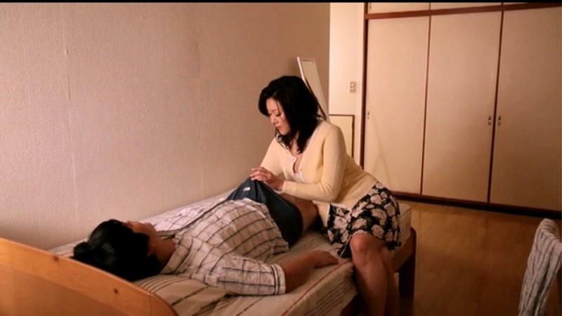 童貞の僕を筆おろししたがる義母 木村真子 の画像1