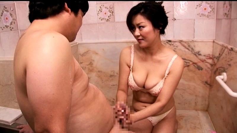 童貞の僕を筆おろししたがる義母 木村真子 の画像6