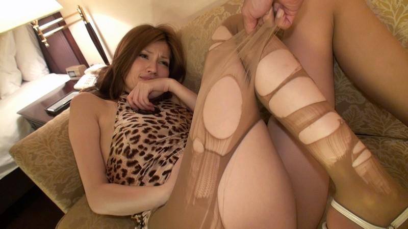 容姿端麗 超美脚ギャルの細く長い脚でパンストフェチプレイ! の画像8