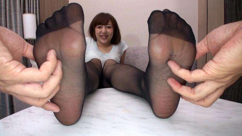 巨乳お姉さんのパンスト美脚でチ○ポを弄ばれたい!! の画像3