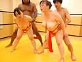 黒人レスラー VS イキまくり熟女 動くビニール本シリーズ 3 17