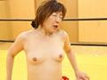 黒人レスラー VS イキまくり熟女 動くビニール本シリーズ 3 6