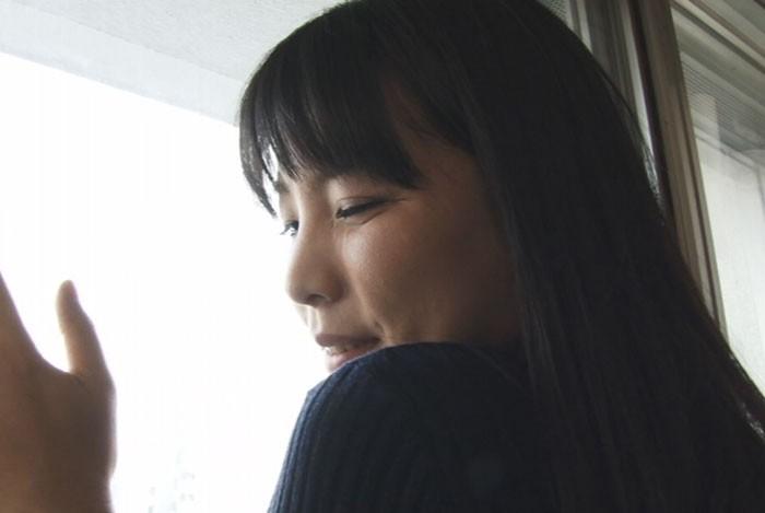 野外にて、熟女、吉田まお出演の露出無料動画像。人妻電マ 吉田まお