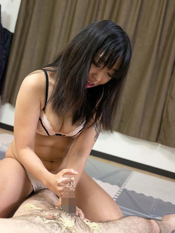 変態SM女性シリーズ2相互汚物愛に惑溺する子持ち主婦 ゆあ 塗糞女体舌舐め奉仕 の画像2