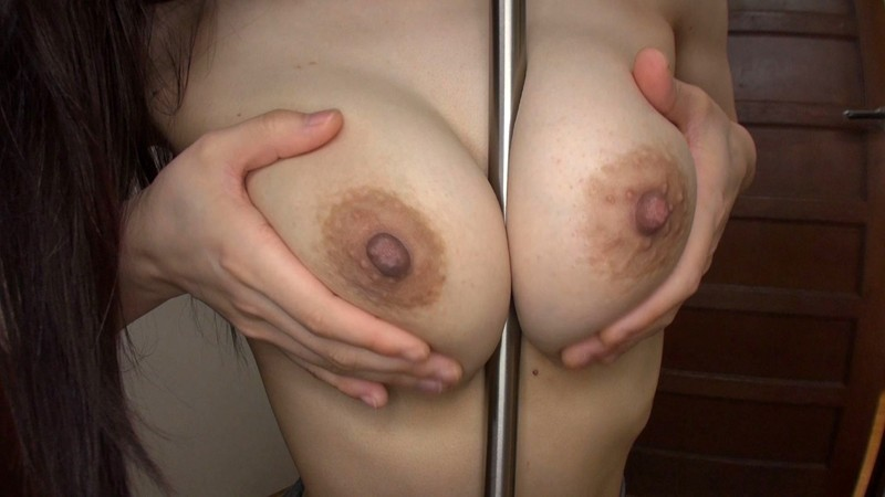 部屋を覗くと欲求不満な姉がこっそりパイズリ練習中!柔らかな巨乳を初めて見た弟が我慢できず禁断の近親相姦SEX!大きな乳を激揺れさせるほどの鬼ピストンでイキまくり!