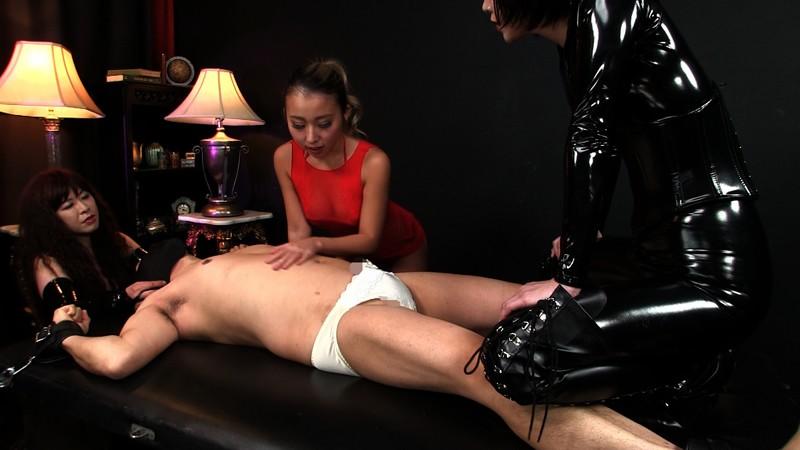 ウルトラM性感研究所 Vol.2 本格女王様二人とドS黒ギャルに囲まれ 性感イジメ嬲り穴棒同時イキの壮絶映像