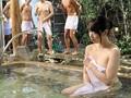 (hunta00139)[HUNTA-139] 勃起させてしまってゴメンなさい…。偶然、混浴温泉にいた修学旅行の男子校生の集団を知らず知らずのうちに全員勃起させてしまい、何本もの勃起を見て興奮が抑えられなくなった人妻の私。いけないこととはわかっていても、何本もの若い勃起チ○ポは魅力的すぎて… ダウンロード 11