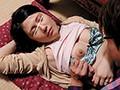 [HUNTA-226] 義母のママ友のパンチラ全開寝姿がエロすぎる!義理の母がママ友を招いて飲み会を開くことに。時間を忘れて家事や夫への愚痴で終電がなくなるまで盛り上がり、結局帰れずその場で寝るママ友たち。パンチラ胸チラしまくりのその無防備な寝姿にボクの童貞チ○ポは勃起しまく…