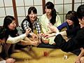 [HUNTA-328] 遅咲きヤリマン同窓会王様ゲーム 高校卒業から早十年。この度同窓会が開かれる事となり、あの頃は真面目でウブだったクラスメイトの女子たちもみんな見違えるように可愛くて美人な面々ばかり!