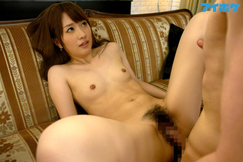 断り切れずゴックンしてしまう清純家庭教師 桜木優希音 の画像4