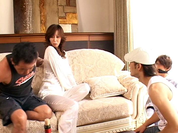 愛する夫の目の前で… ~美人妻アナル凌辱~ 高坂保奈美 の画像16