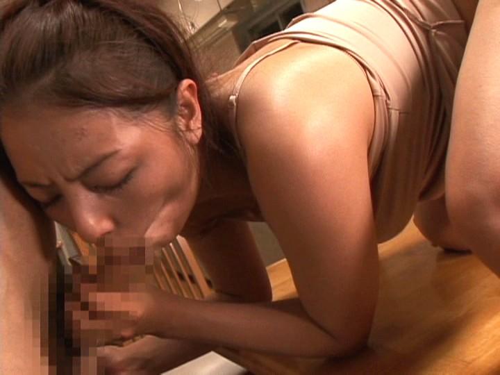 熟れたオンナは気まぐれで男を挑発する