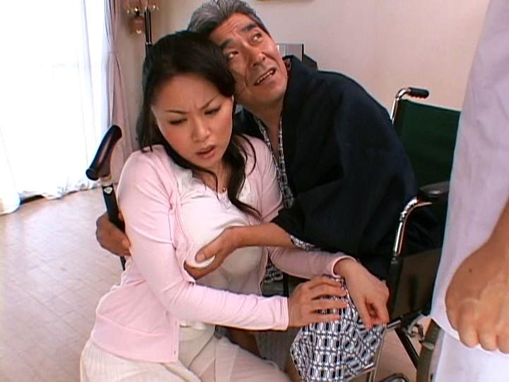 濡れ嫁・羞恥介護 ~義父の柔肌調教~ 佐藤美紀 の画像17