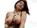 爆乳アマゾネス 南海の孤島に棲む淫語しか話せない肉食痴女を追え! 杏美月 7