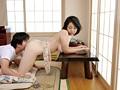 [JUJU-108] お義母さんは僕の元オキニ風俗嬢~あの頃はお金払っても出来なかったのに、今はバレたくない一心で本番(タダマン)どころか中出しまで許してくれた!~